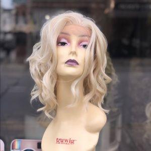 Marylynn Monroe Blonde 613 FreePart wig